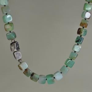 Collier mit Silber und grünem Stein - Unikat
